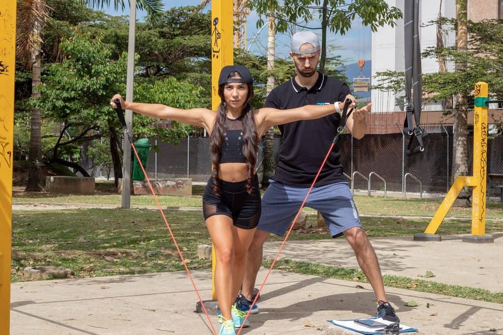 exercícios com faixa elástica 3